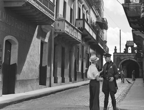 Calle del Cristo, Viejo San Juan (1941)